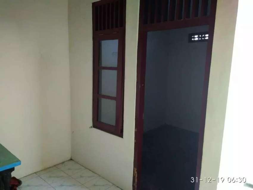 Disewakan 2 buah kamar kos di Jombor 2,5 juta per kamar per Th 0