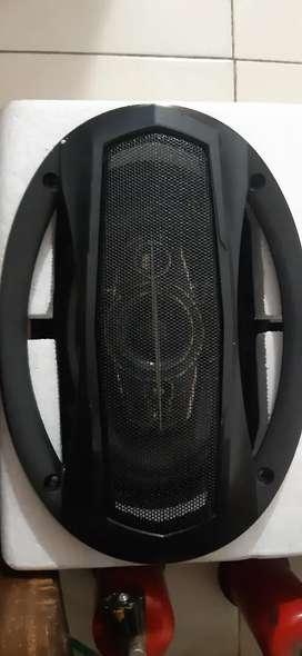 Car back speaker