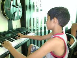 Best Music Classes for Guitar, Keyboard, vocal