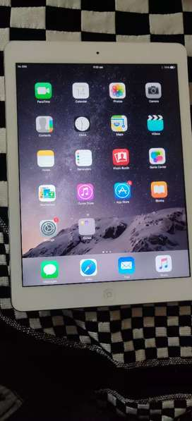 Ipad air 2 almost new not used too much