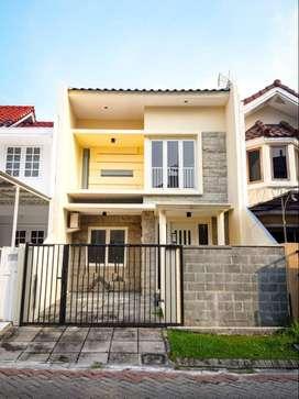 Di bawah 1,96M rumah Villa Valensia Pakuwon Indah