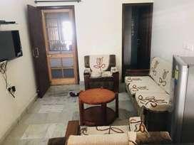 1fully furnished room brs nagar 9000