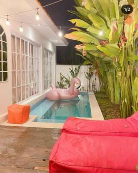 Crazy price. Villa with private pool