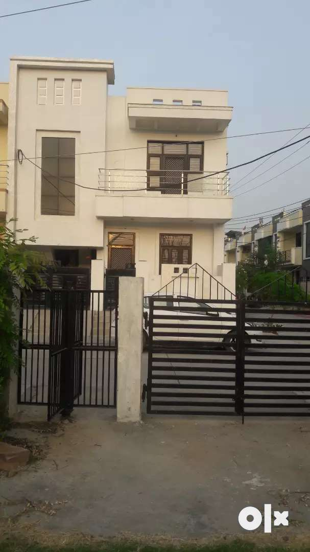Sell Best Location Corner Park Facing Premium Villa 0