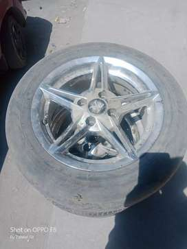 4 Alloy wheels 14 inch