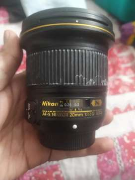 Nikon 20 mm f1.8 g lens in very good condition