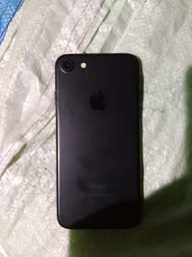 I phone 7 met black 32gb 1.5 year old best condition