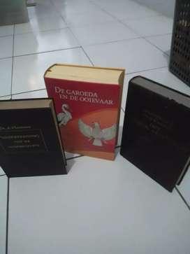 Buku berbahasa Belanda edisi thn 1948