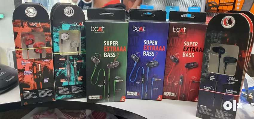 All boat branded earphones in best price seal pack with bill