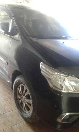 Dijual Toyota kijang Innova metic Tahun 2015 Bensin