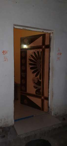 Best facility room on rent Rs2500 only girls or family