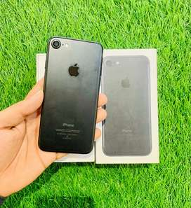 iPhone 7 - 32 GB - finger off only - complete condition - full kit