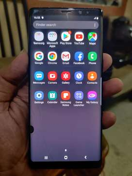 Samsung Note 8 Glass Cracked in excellent condition
