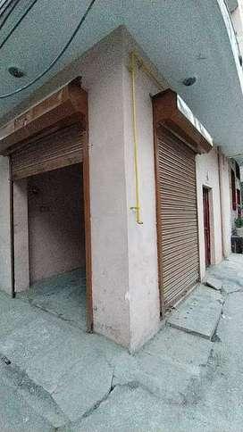 Shop for rent 4000 in sant nagar burari Delhi 110084