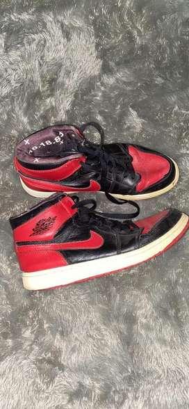 Nike Air Jordan 1 Banned 2011