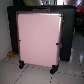 Dijual beauty case jarang dipake banget...2.200.000,