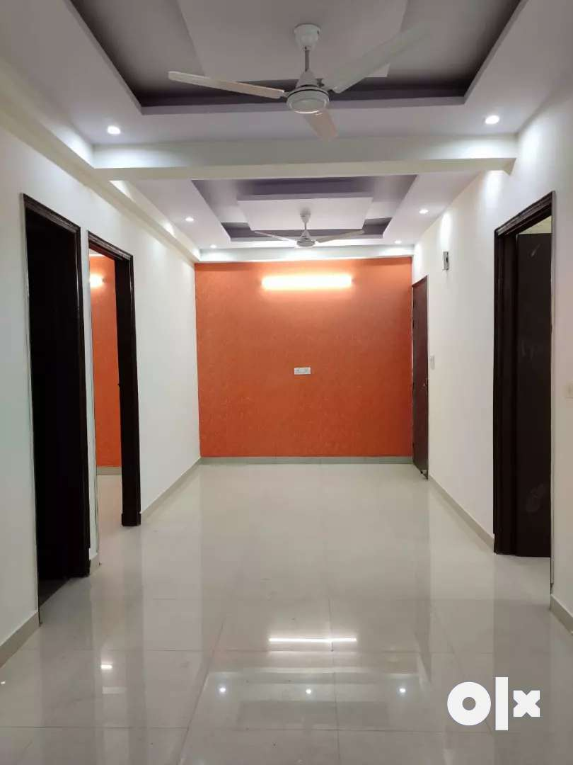 3bhk good flat in Rajendera park area,Gurgaon 0