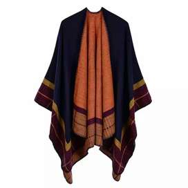 Vintage women kitted shawl