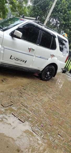 Tata Safari Storm...