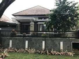 Rumah dgn Nuansa Bandoeng tempo doeloe di kota baru parahyangan