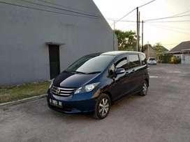 Spesial promo!! Kredit murah Honda Freed PsD matic 2011 antiq new like