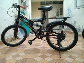 Kross brand 7 gears bicycle good condition
