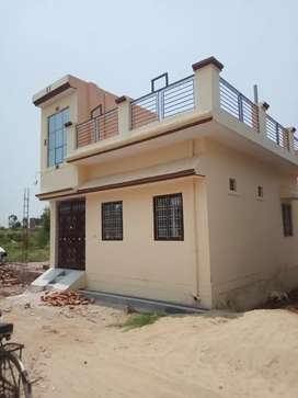 Two side road house with  LOAN availability