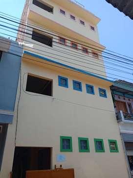 Bangunan Kost2san Putri 4 Lantai Minimalis