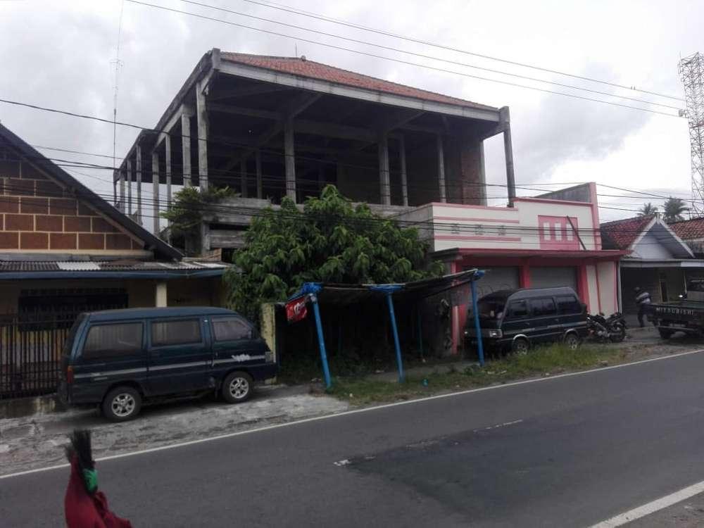 rumah dijual dua lantai perlu renovasi blitar luas murah