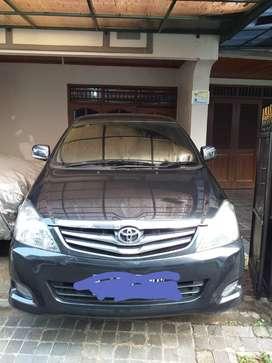 Toyota inova th 2005