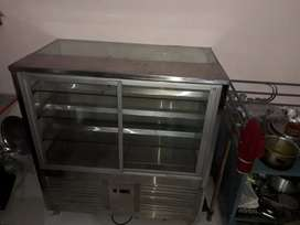 Glass Pastry cooler