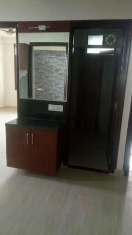 3bjk semi furnished flat