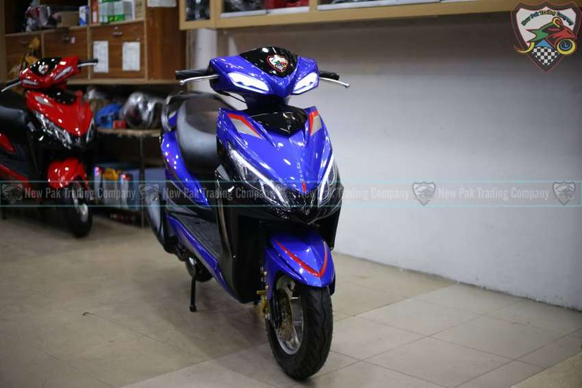 FULLY AUTOMATIC SCOOTY 150CC 0