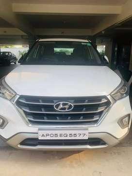 Hyundai Creta 2018 white colour hi end automati
