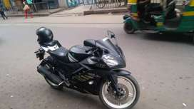 Yamaha R15,black colour with smart look