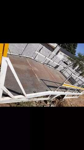 Platform 2wheeler  stretcher canter eicher 14 feet