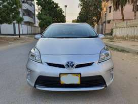 Toyota Prius- Get on easy installment