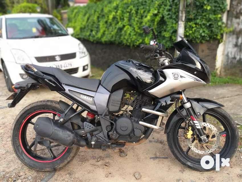 Yamaha FAZER 2011 0