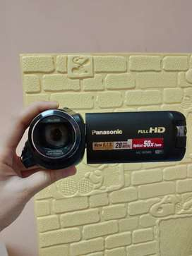 HANDYCAM PANASONIC HC-W585 bekas mulus free baterai tahan 3jam