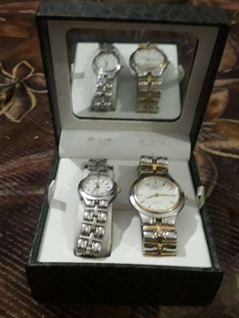 Quartz watch man and women both 0