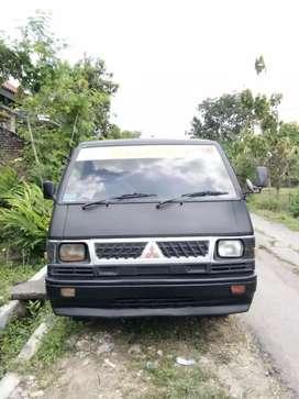 Mitsubishi L 300 pik up tahun 90 cc 25 untuk barang