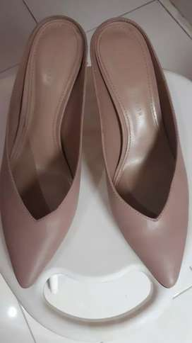 Sepatu sendal charles & keith