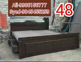Brand new cot size 4×6  size 4250 with storage 6500