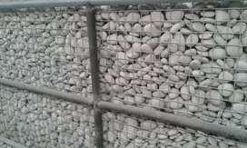 Tersedia batu koral putih ukuran up 4 - 7 cm harga 30rb 10kg