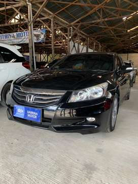 Dijual Honda Accord VTI-l Hitam Tahun 2012
