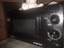 Bajaj company microwave oven 5 month old