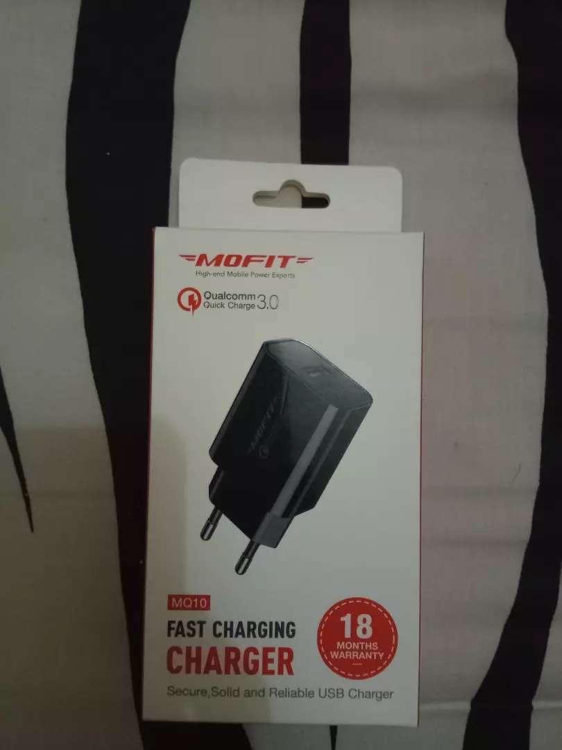 charger qualcom qc3, mofit. new. original mofit. 0