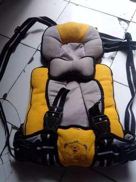 Perlengkapan bayi gendongan dan tas