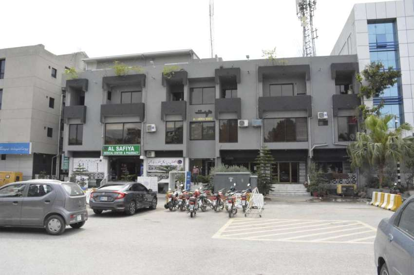 Spacious Affordable Commercial 2nd Floor Office Is Available For Rent