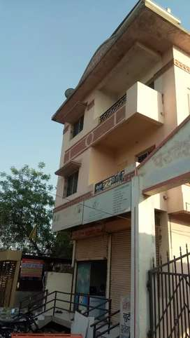 1 BHK flat and 1 RK rooma available on rent